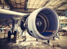 Livraison urgente d'éléments de fuselage pour un avion cargo en panne